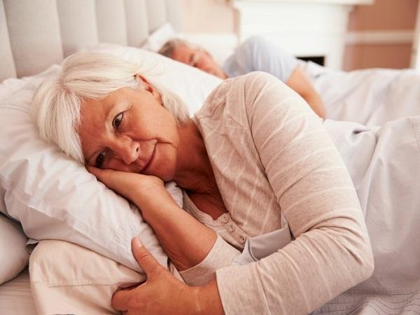 Mất ngủ kinh niên, chữa trị bằng nhiều cách