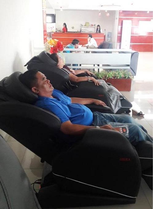 ghế massage shika lắp đặt cho toyota